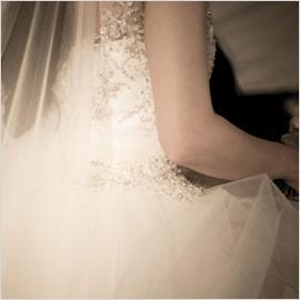 Vente de robes de mariés, costumes, chaussures